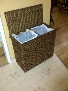 It has 2 compartments - trash and recycling.
