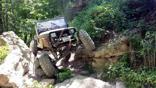 JWaldron-88-jeep-wrangler-rock-crawling